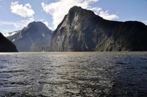 milford sound, parco nazionale di fiordland, nuova zelanda