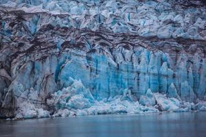 ghiacciaio nel parco nazionale di glacier bay, alaska foto