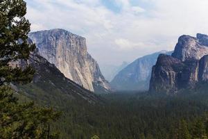 El Capitan, Parco Nazionale di Yosemite, California, Stati Uniti d'America foto