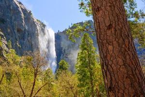 yosemite bridalveil caduta cascata in california foto