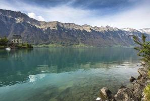 lago di brienz, regione di interlaken in svizzera