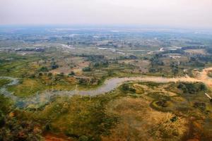 okavango delta dall'aria al tramonto