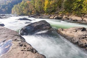 Il fiume Tygart cade nel parco statale delle cascate della valle