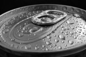 lattina di alluminio aperta