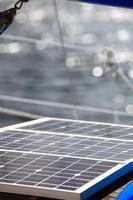 pannelli solari in barca a vela. energia rinnovabile eco