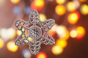 decorazioni natalizie su sfondo sfocato foto