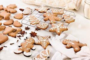 biscotti di panpepato di natale foto