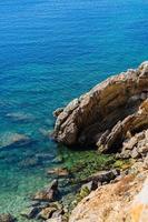 costa rocciosa costiera