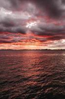 foto del mare all'alba