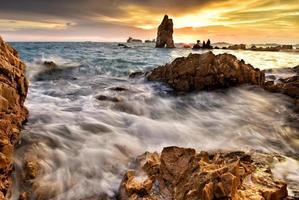 bellissimo paesaggio marino in Thailandia foto
