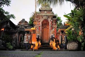magnifico tempio indù a ubud di balu