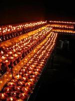 lhasa, tibet, cina: interno del tempio ramoche foto