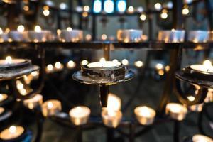 candelabro dentro hallgrimskirkja, cattedrale di reykjavik