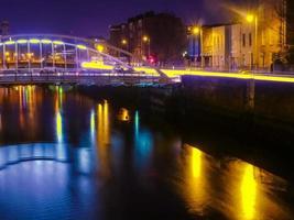 ponte a dublino di notte