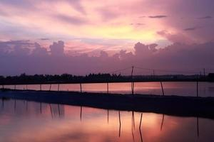tramonto in un allevamento ittico