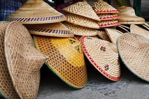 cappelli conici orientali