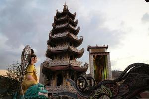 pagoda buddista di linh phuoc, da lat, provincia di lam dong, vietnam