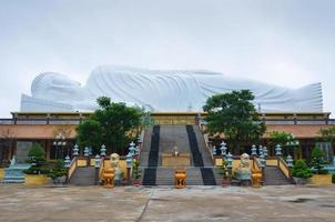 statua del sonno del buddha