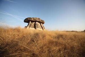 antico dolmen foto