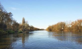 fiume a brzeg. Polonia