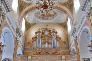 organo da chiesa barocca, basilica dell'assunzione, kalisz, polonia foto