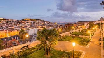 vista notturna di Lisbona