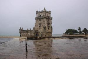 Lisbona sotto la pioggia