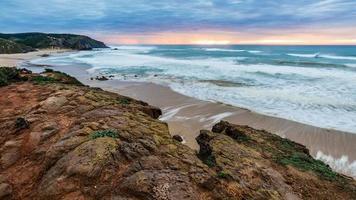 tramonto sulla costa occidentale di portugals vicino a sagres