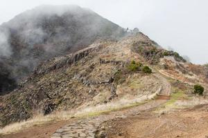 pico do arieiro nell'isola di madeira, portogallo