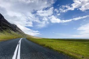 crepuscolo solitario della strada