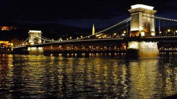chaîne, pont, hongrie, pont aux chaînes, nuit, budapest