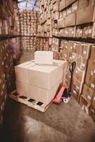 scatole in magazzino foto