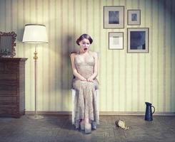 donna nell'interno vintage