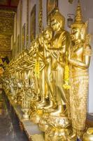 immagine del buddha nel tempio foto