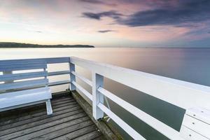 romantica panchina sul molo in legno più lungo d'Europa
