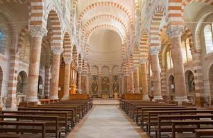 gerusalemme - la navata della chiesa di stefano
