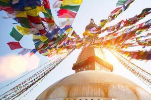 bodhnath stupa a kathmandu con gli occhi di buddha