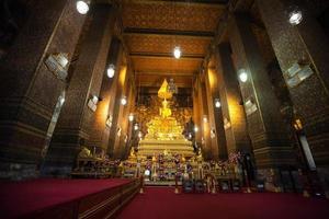 tempio thailandese wat pho a bangkok