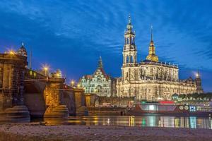 Lo skyline di Dresda in serata, Germania