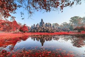 castello di bayon ad ankor thom, cambogia