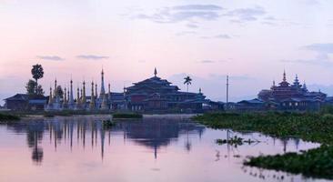 mattina sul lago inle, stato shan, myanmar