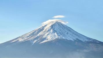 Monte Fuji in autunno al Lago Kawaguchiko in Giappone foto
