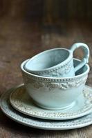 set di stoviglie in ceramica.