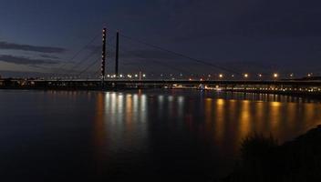 ponte di dusseldorf germania
