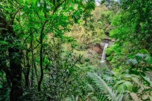 la cascata di haew suwat foto