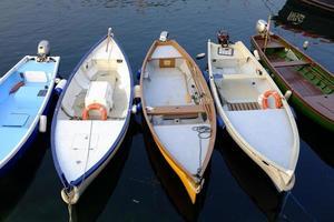 vecchia barca a motore foto