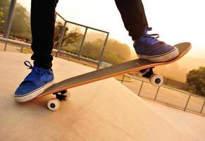 gambe da skateboard