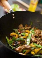 chef di cucina wok