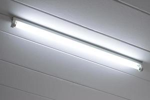 lampadina fluorescente illuminata foto