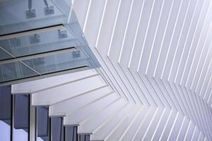 miami, florida, 2020 - edificio in metallo contemporaneo